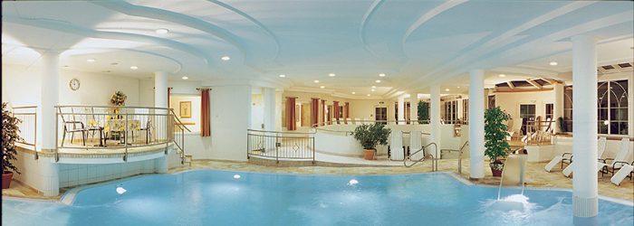 Wellnesshotel mit Schwimmbad in Tirol